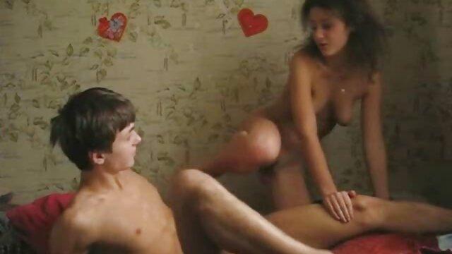 MILF Mindi lernt die Kunst des lesbischen Arschspiels von freie alte pornos !